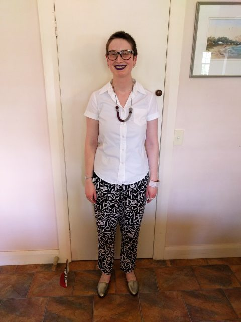 A casual summer outfit: Burda short sleeve shirt and altered RTWpants
