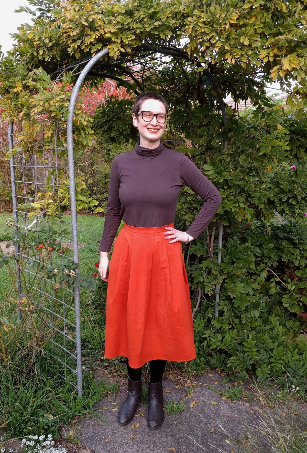 A very 70s outfit – Named Paola Turtleneck Tee and Ottobre 5/2016 #6 tweed skirt
